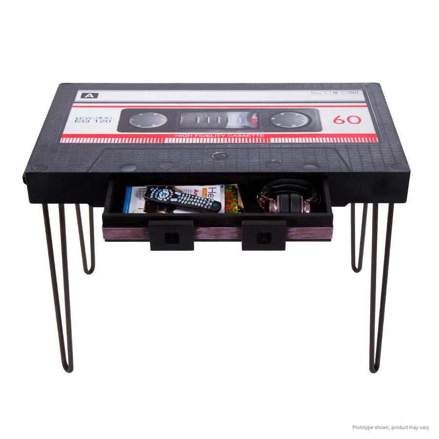 The TAPE DESK Cassette Furniture by TAYBLES - Regal Robot