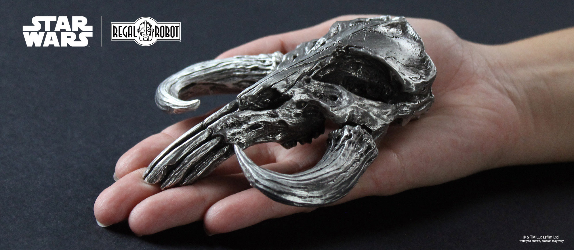 Pewter mythosaur skull or bantha skull sculpture in pewter