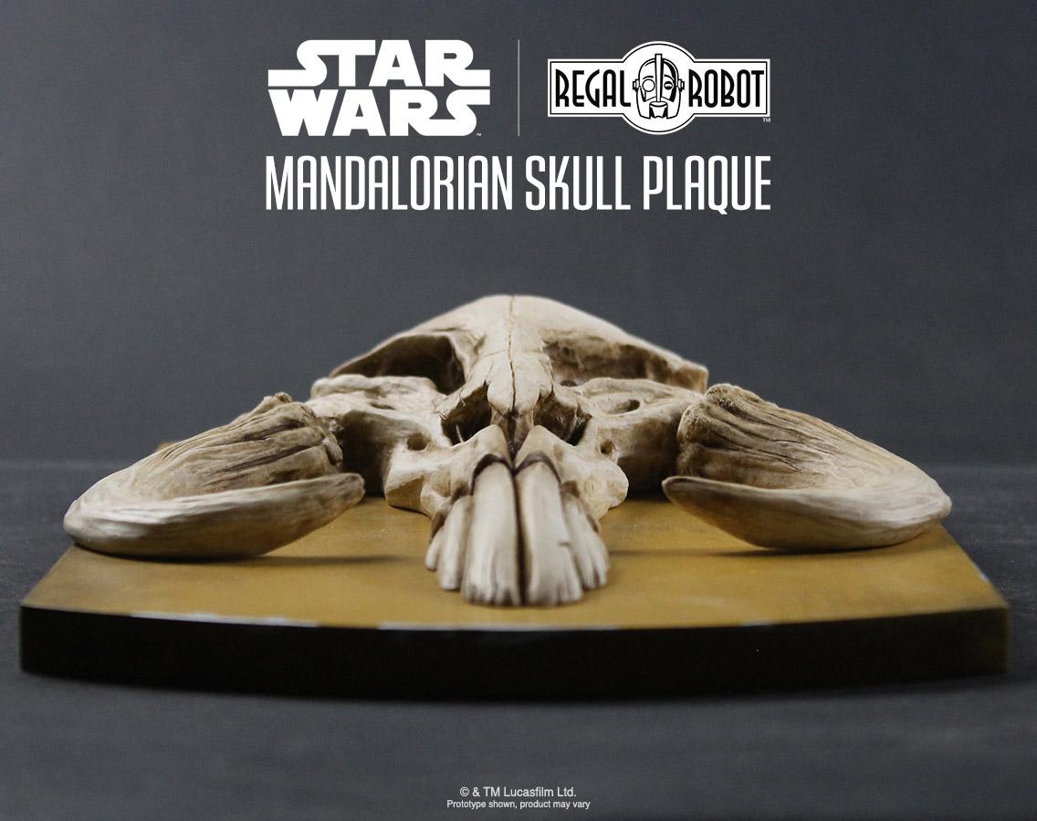 Mandalorian Skull Plaque Regal Robot
